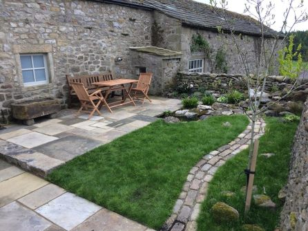 A P P L E T R E E W I C K For this small back garden, the client wanted us to pull in elements of the surrounding Dales and offer her a reminder of a favourite stream where she walks her dog. The garden will be viewed year round from the recently completed extension. She wanted to retain some grass, which will be kept longer than normal with various spring bulbs creating a the feel of a meadow. A York stone sett path runs up to the water feature, with a stepping stone bridge taking the place of the wooden one in the original design. The planting is naturalistic and largely native while remaining relatively low maintenance.